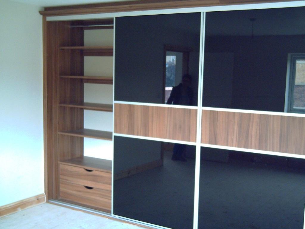 slidofficing wardrobe